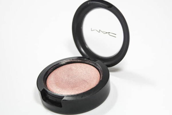 cream-color-base-mac-shell-4