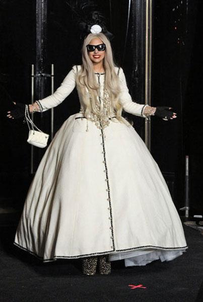 Lady-Gaga-Chanel-Opening-Barneys-NY