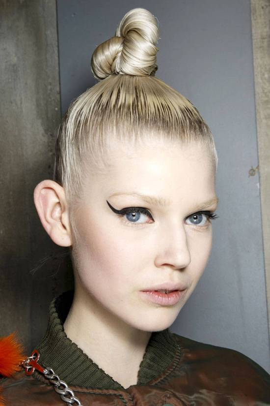 hbz-makeup-trends-fw2014-heavy-liner-09-Gaultier-bks-A-RF14-5886-lg