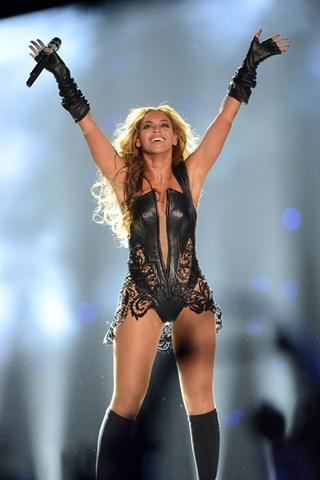 Beyonce02_V_4Feb13_pa_P_b_320x480