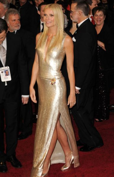 54bcdddf564f8_-_neth-paltrow-best-looks-83rd-annual-academy-awards-0112-xln