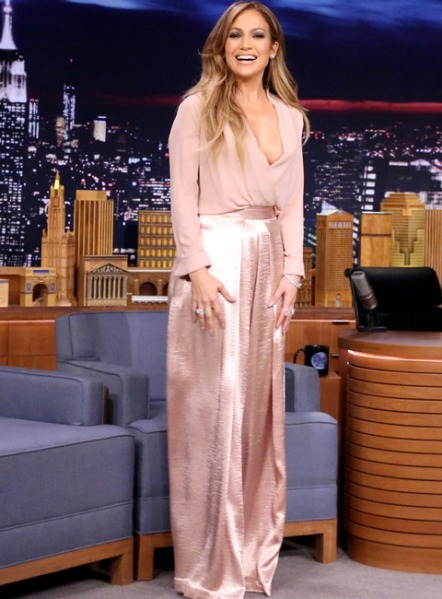 012015-jlo-weekend-wears-2-480