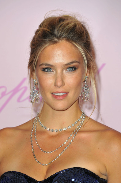 Bar+Refaeli+Layered+Necklaces+Layered+Diamond+0AEA4It_DFVl